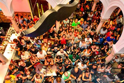 Hard Rock Cafe Sevilla Eventos Freeddie For A Day Música Directo