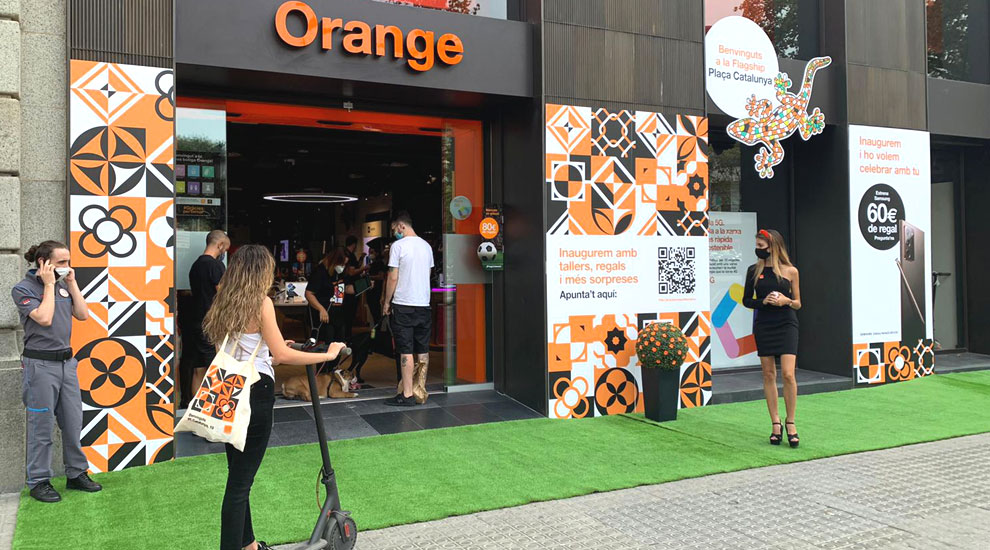 Inauguración Orange Tienda Barcelona Agencia Eventos Trade Marketing03